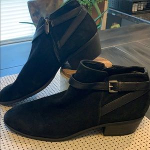 Size 10 black ankle boots women's
